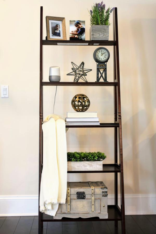 Farmhouse Ladder Shelf Decor